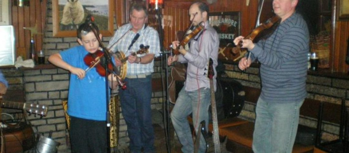 musicians-donegal-scenic-travel-small